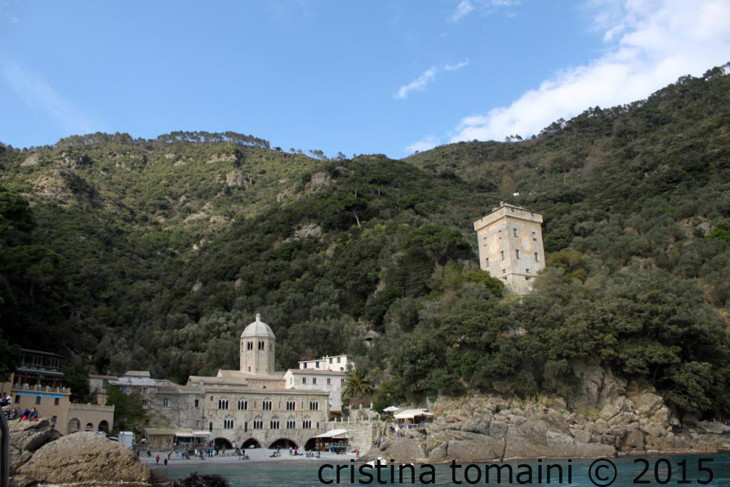abbazia di San Fruttuoso dalla barca
