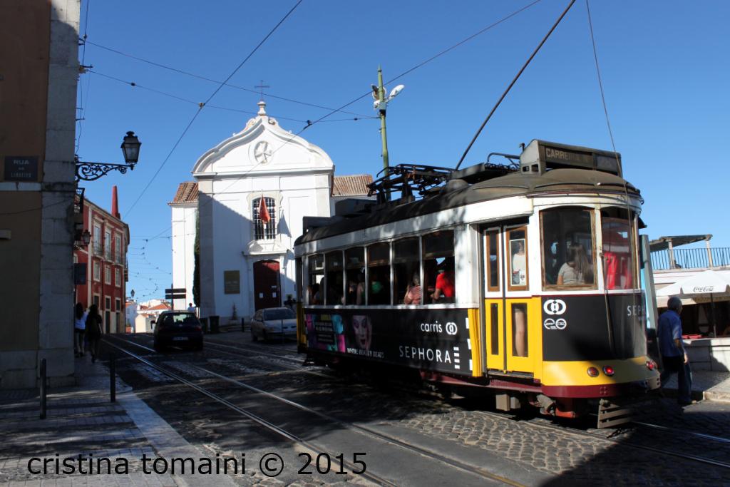 Il tram 28, uno dei simboli della città
