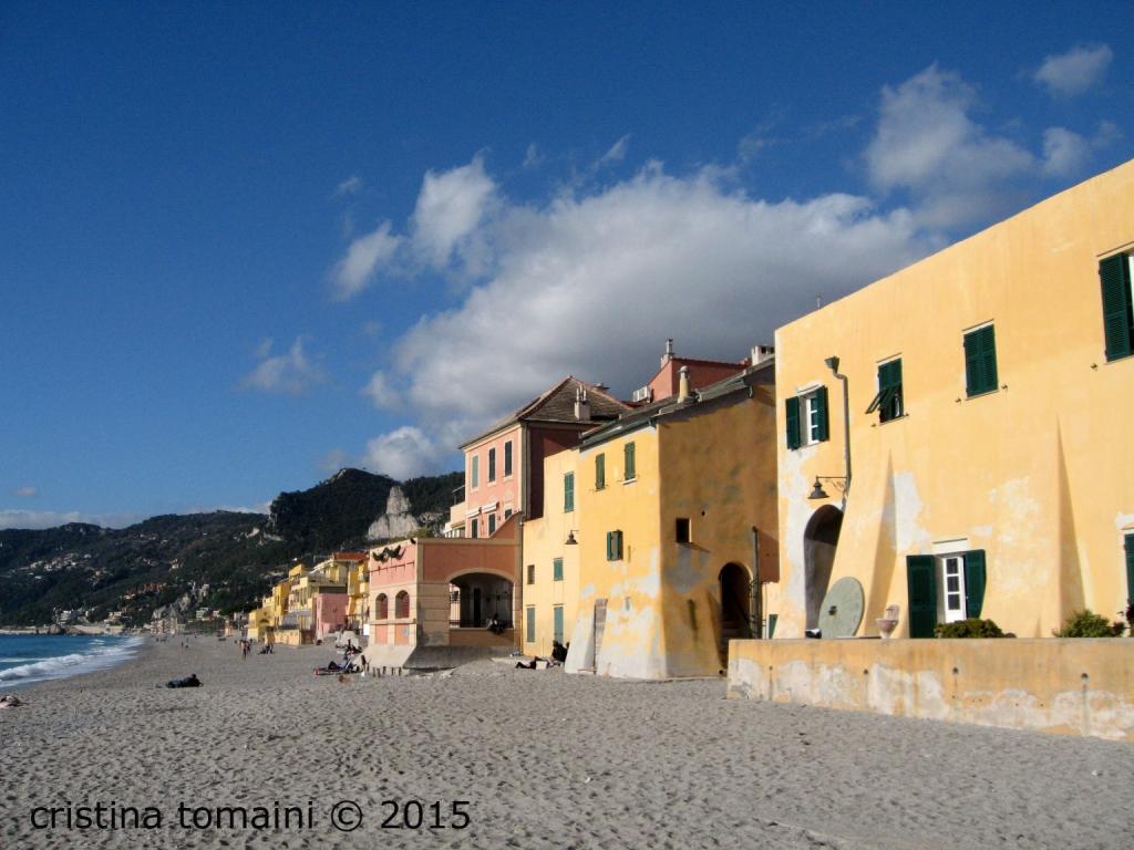 le case sulla spiaggia di Varigotti