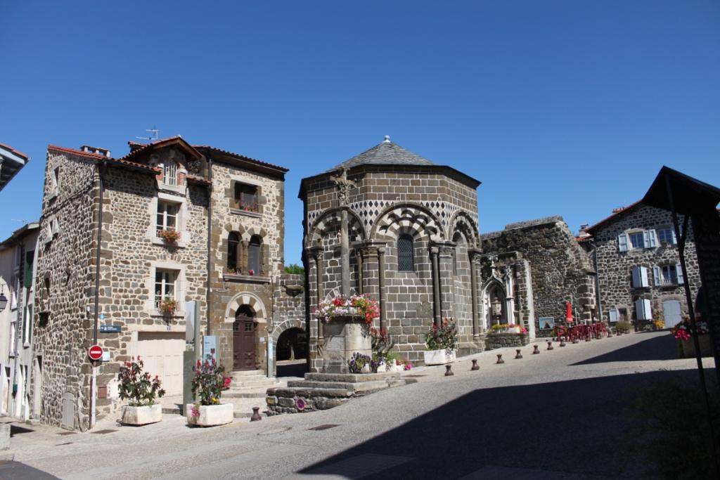 il borgo di Aiguilhe