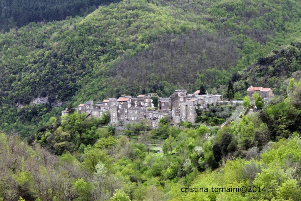 il borgo di Colletta di Castelbianco