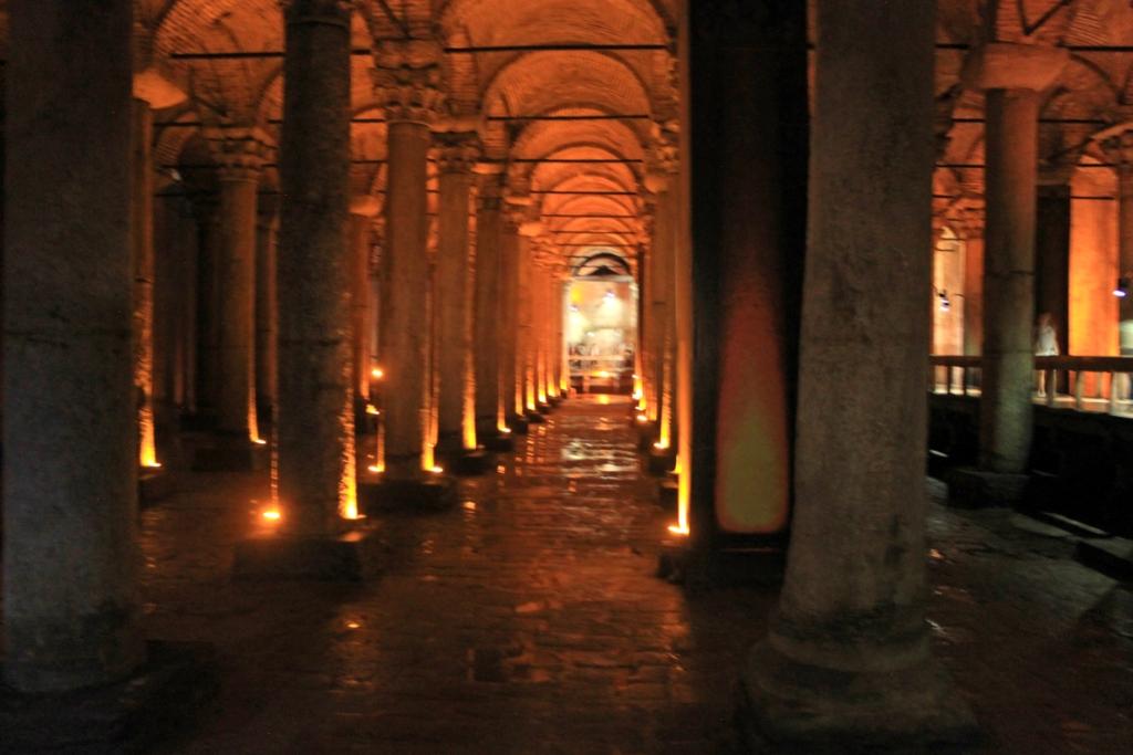 la Cisterna sotterranea, Yerebatan Sarayı