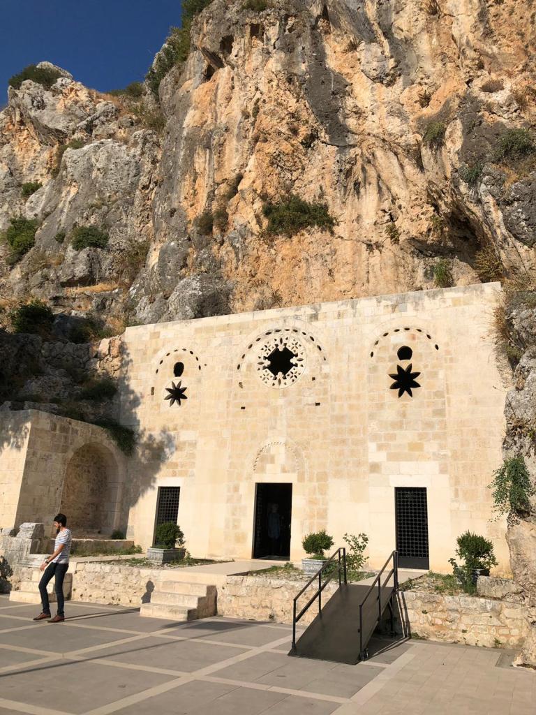 la grotta di Pietro