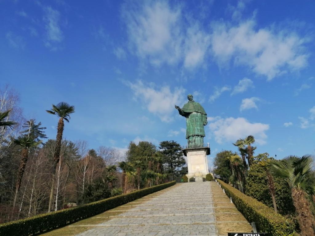 la statua del san carlone